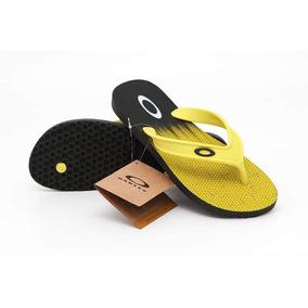 Chinelo Da Oakley Preto E Amarelo - Sapatos no Mercado Livre Brasil 215384f8a7