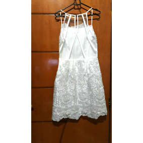 Vestido Branco Curto Com Gripilho E Tule