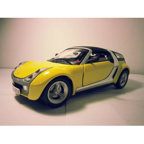 Smart Roadster Coupe / Bburago / Escala 1.18