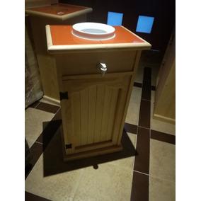 Mueble Para Garrafon De Agua. Con Puerta Para Despensa