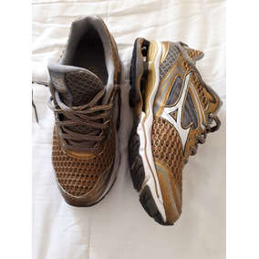 Tênis Mizuno Golden Runners