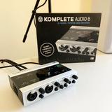 Interfaz De Audio Komplete Audio 6