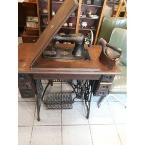 Maquina De Costura Antiga Singer.