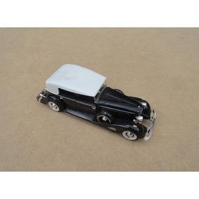 Miniatura Cadillac 1933 Fleetwood Preto