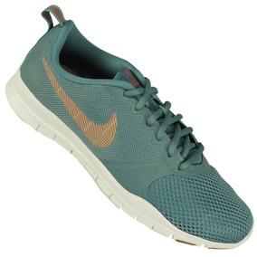 Tênis Academia Caminhada Nike Fitness Feminino - Tênis no Mercado ... a73b9c98eed39