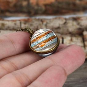 Collar Con Cadena De Latón Con Diseño De Planeta Jupiter
