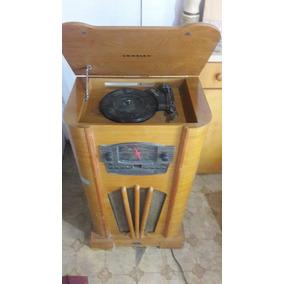 Radio Vitrola Em Madeira Modelo Retrô