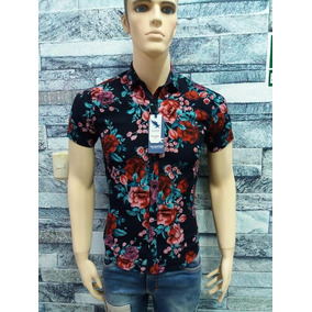 8b7e6201a3acc Ropa Camisas Floreadas Hombre - Ropa y Accesorios en Mercado Libre Perú
