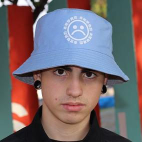 Chapeu Bucket Hat Nike - Acessórios da Moda Cinza claro no Mercado ... cf1535692de
