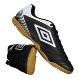 Chuteira Futsal Umbro Striker no Mercado Livre Brasil 513acce92e028
