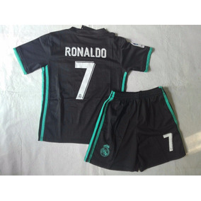 7f86ae0b150d6 Real Madrid. Capital Federal · Kit Para Niños Camiseta Y Short Juventus  Ronaldo Negro