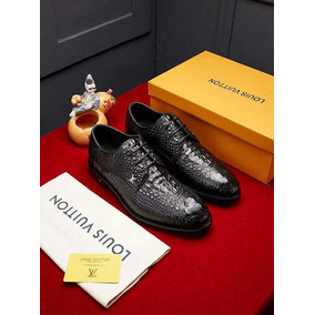 c5ee2104a Lote De Sapatos Tamanho 22,23 E 24 Masculino - Sapatos no Mercado ...