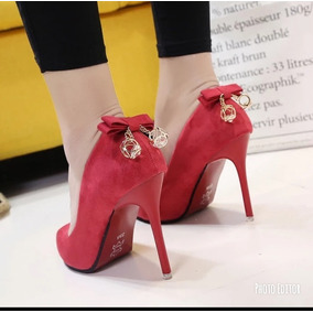 bacd788ab Lindo Scarpin Vermelho Com Salto Dourado E Pingente - Sapatos no ...