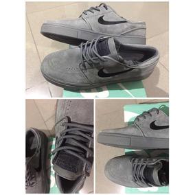 Zapatos Nike Nuevos Talla 41 (gamusa)