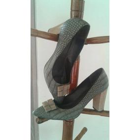 e9bdef04a0c Sapato Scarpin Shoestock Tamanho 40 Salto Grosso