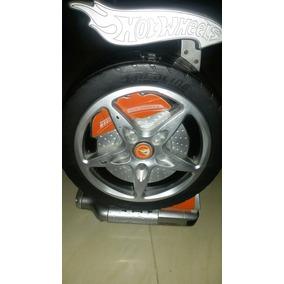 Carros Hot Wheels Con Su Estuche (son 26)