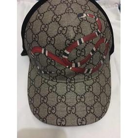 Gorra Gucci Con Estampado De Serpiente Real 9eb9e362999