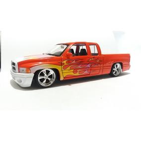 Miniatura 1/24 Dodge Ram 1500 Sport Welly