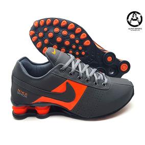 c1087eae579 Nike Shox Deliver Dourado - Tênis para Masculino Laranja no Mercado ...