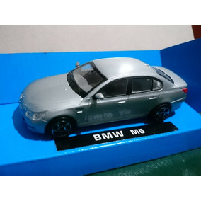 Bmw M5 - New Ray 1:43