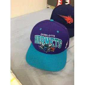 Boné Snapback Charlotte Hornets Mitchell Ness Original ... 9ebc4f42727