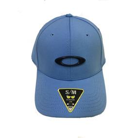 Bone Oakley Tincan Azul Celeste Logo Preto Sm Lançamento. R  185 c6d5b1b1ed0
