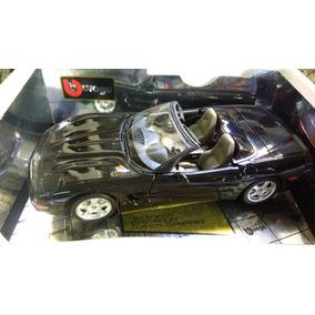 Miniatura Escala 1:18 Burago Corvette 1998
