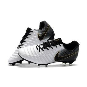 Chuteira Nike Profissional - Chuteiras Nike de Campo para Adultos no ... e309debdaaed6