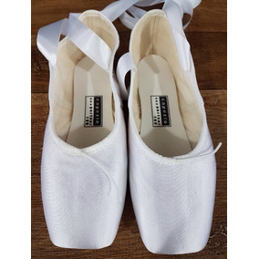 2c68ae8108 Capezio Sapatilhas De Ponta New York - Sapatos Branco no Mercado ...