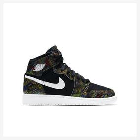 Tênis Nike Air Jordan 1 Retro High Bhm