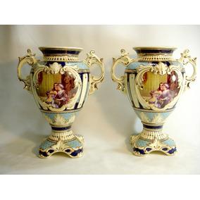Par De Vasos Ânforas Em Porcelana Europeia Raras E Lindas