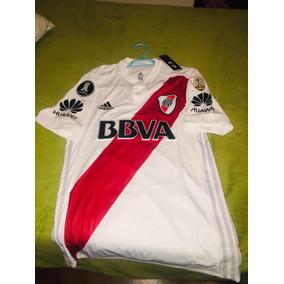3d466f1270 Camisetas de Clubes Nacionales Adultos River en Mendoza en Mercado ...