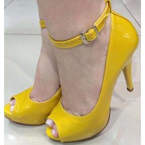 a5cd773ed Peep Toe Meia Pata Amarelo Feminino - Sapatos no Mercado Livre Brasil