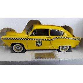 Miniatura De 1951 Kaiser Taxi. Edição Limitada