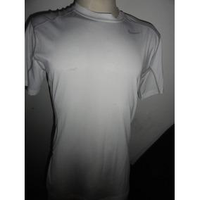 Camisa Short Compressão Nike Veste G Otimo Estado De Uso 495a710dc68fa