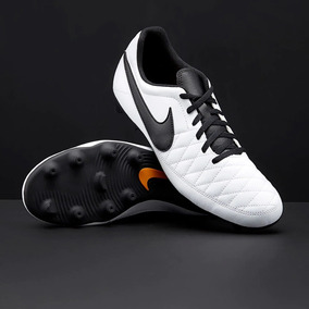 Tachon Nike - Tacos y Tenis Césped natural Nike de Fútbol en Mercado ... f72a600c55c03