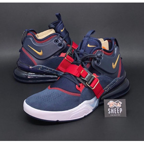 Tênis Nike Air Force 270