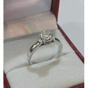 Precio de un anillo de platino con diamante