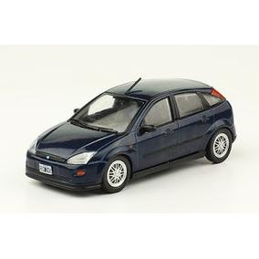 Autos Inolvidables Argentinos Nº57 - Ford Focus (1998)