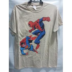 Playera Marvel Comics Spiderman Vs Superman