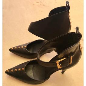 c2719b420 Sapatilha Scarpin Spikes Schutz Outras Marcas - Sapatos no Mercado ...
