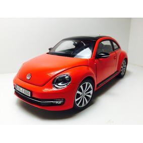 Miniatura Volkswagen Novo Fusca Vermelho Welly 1/24 Detalhes