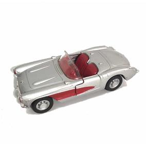 Carro De Coleção De Ferro Maisto Chevrolet Corvette
