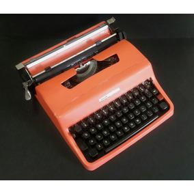 Máquina De Escrever Olivetti Lettera 32 - Portátil