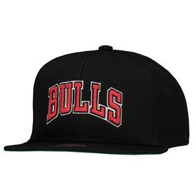 86f307585c386 Boné Mitchell   Ness Nba Chicago Bulls Preto E Vermelho