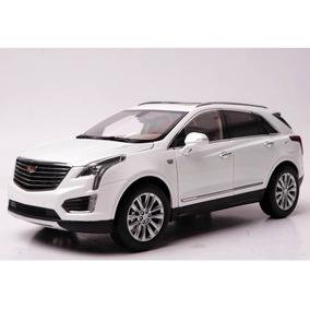 Miniatura Carro Cadillac Xt5 Branco 1:18 Paudi