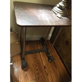 Mesa Para Máquina De Escribir Antigua Con Ruedas