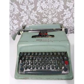 Maquina De Escrever Ollivetti - Studio 44