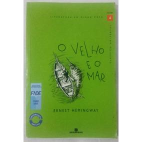 Livro - O Velho E O Mar - ( Usado )