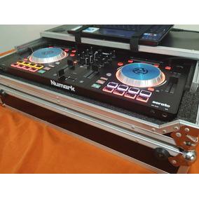 Controladora Numark Mixtrack Pro 3 ( Com Case )
